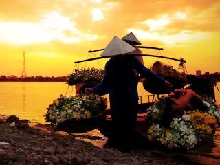 Vietnam_River boat market