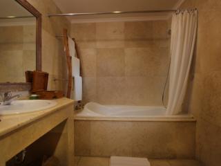 Alam Room - Bathroom