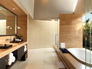 Imperial Villa - Bathroom