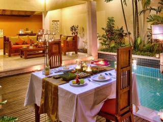 In Villa Private Dining