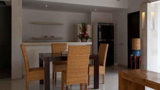 1 Bedroom Villa - Dining Room