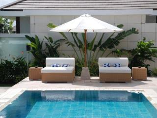 Villa Sun Lounges