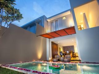 2 Bedroom Royal Villa - Pool