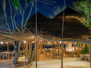 Hai Bar and Grill at Night