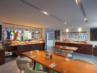 Colours Cafe Restaurant