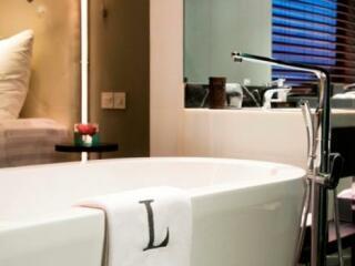 Luxe Suite Bathtub