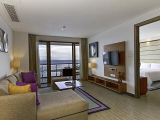 1 Bedroom Ocean View Suite