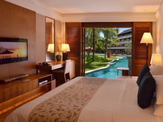 Palace Club Lagoon Room