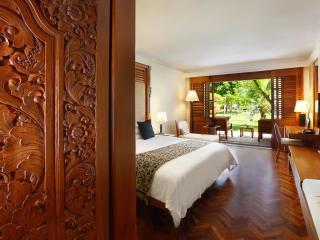Palace Club Room