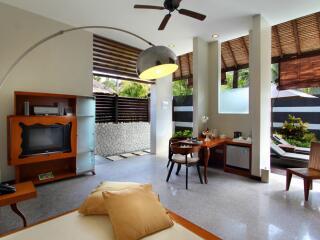 Honeymoon Pool Villa - Living Room