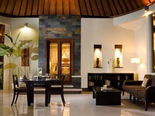 1 Bedroom Villa - Dining