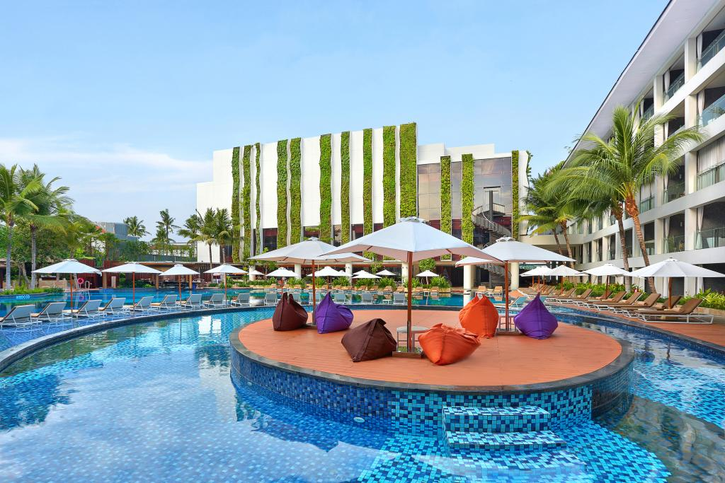 The stones hotel legian bali autograph collection for Luxury resorts in bali indonesia