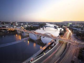 Brisbane River & Bridge View