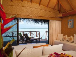 Aitutaki LR_room interior