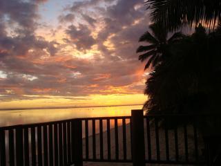 Villas - Beach deck sunset