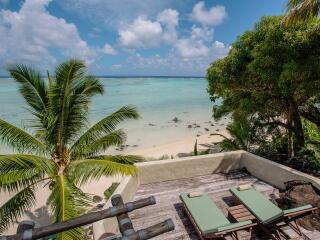 Ultimate Beachfront Villa Deck