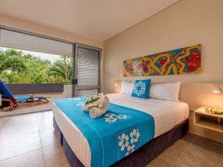 2 Bedroom Poolside Garden - Bedroom