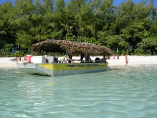Captain Tamas Lagoon Cruise