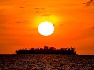 Conflict Islands Itamarina Sunrise