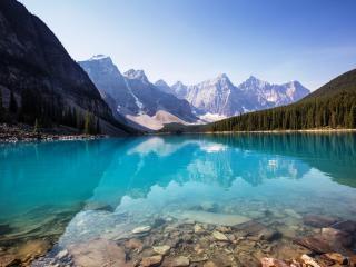 Rocky Mountaineer Moraine Lake