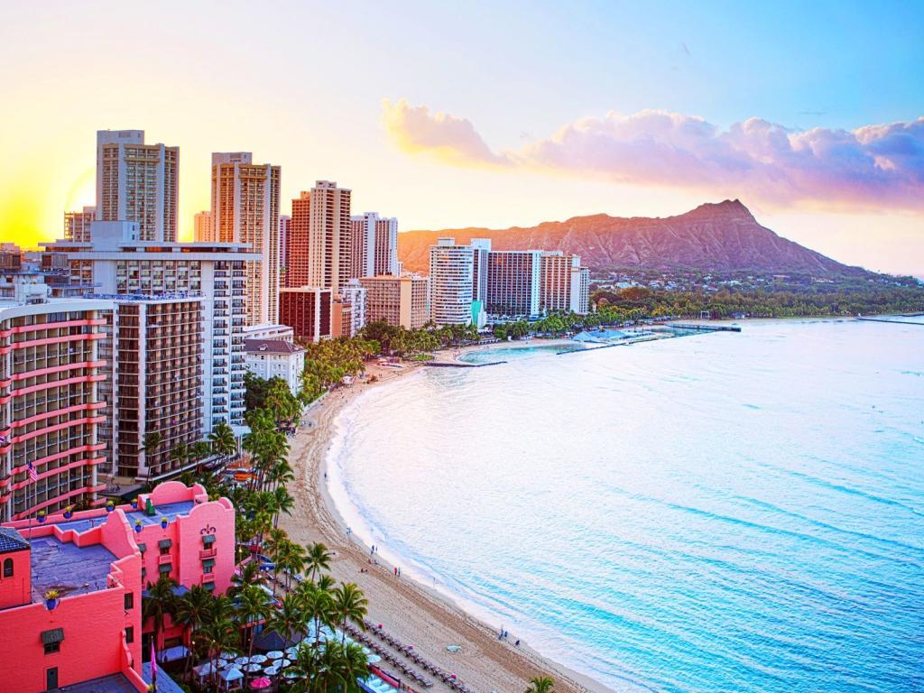 10 Night Spirit of Aloha Fly, Stay & Cruise