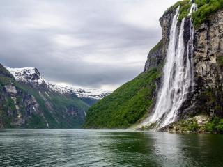 seven-sisters-waterfalls-geirangerfjord-norway