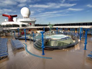 Carnival Spirit - Sun Pool