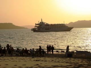 Oceanic Discoverer - Kimberley Sunset BBQ