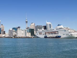 New Zealand Auckland Port & Cruise Ship Thumb