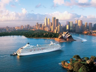 Cruises to Sydney Harbour