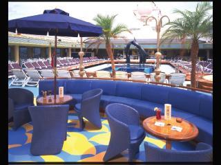 ms Zaandam pool deck
