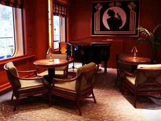 Diamond Princess - Piano Bar
