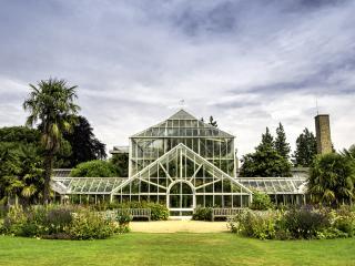 Cambridge Botanic Gardens, England