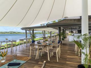Beach Bar & Grill