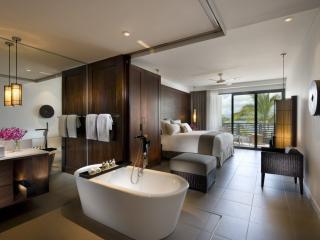 2 Bedroom Beachfront Bedroom