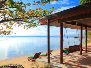 Premium Oceanfront Bure - Deck