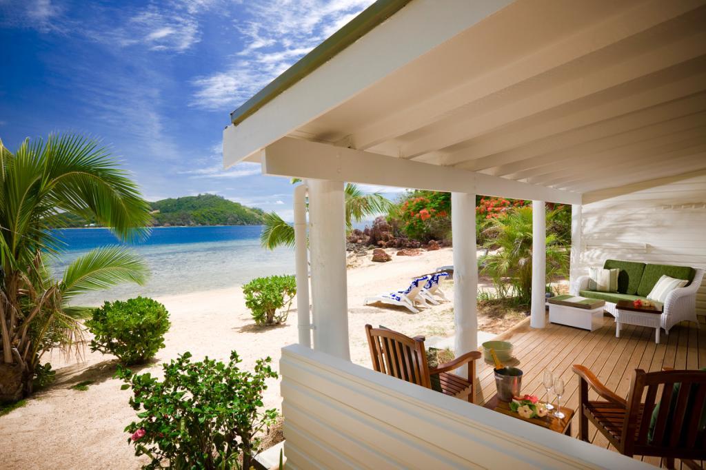 Tadra Beach Bure Malolo Island