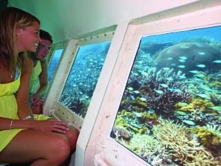 South Sea Island Cruise - Semi Submersible