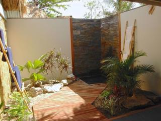 Deluxe 1 Bedroom Garden Villa - Bathroom
