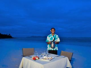 Viwa Island Resort Dinner on the beach