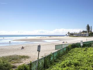 Coolangatta Beach & Greenmount Surf Club