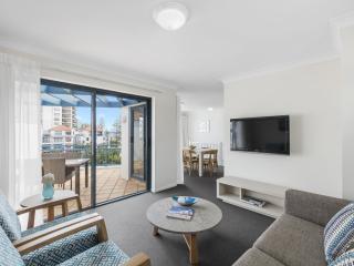 2 Bedroom Premier -Living