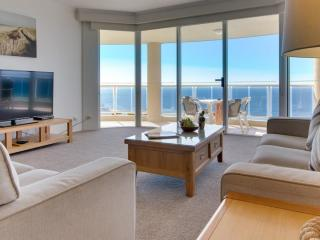 1 Bedroom Ocean View Apartment - Lounge Area