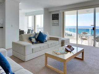 2 Bedroom Ocean View Apartment - Interior
