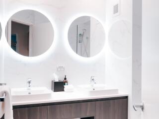 Deluxe Resort Room Bathroom