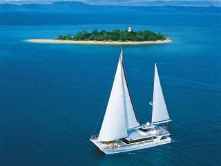 Quicksilver Wavedancer Low Isles Cruise