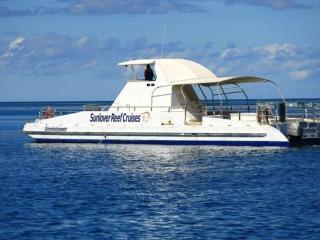 Semi-submersible tours