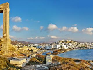 Port Naxos & Temple of Apollo