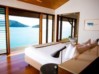 Windward Pavilion Bedroom