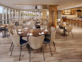 100 Sails Restaurant